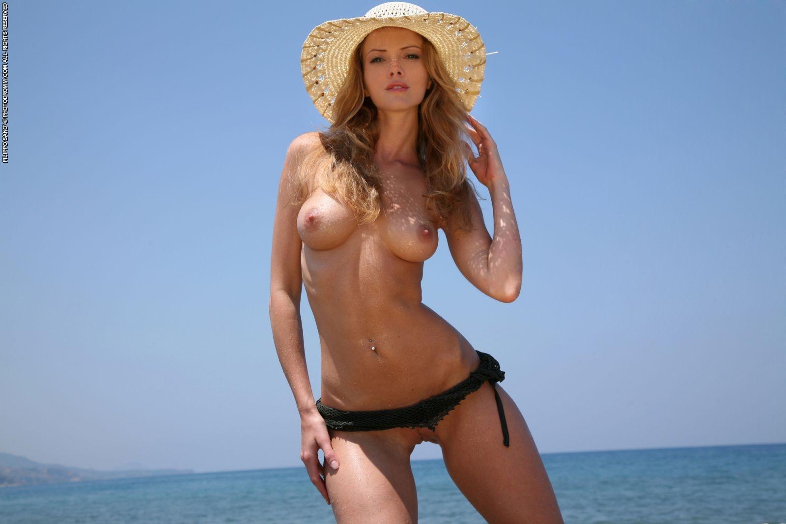 Красавицы голые на пляже