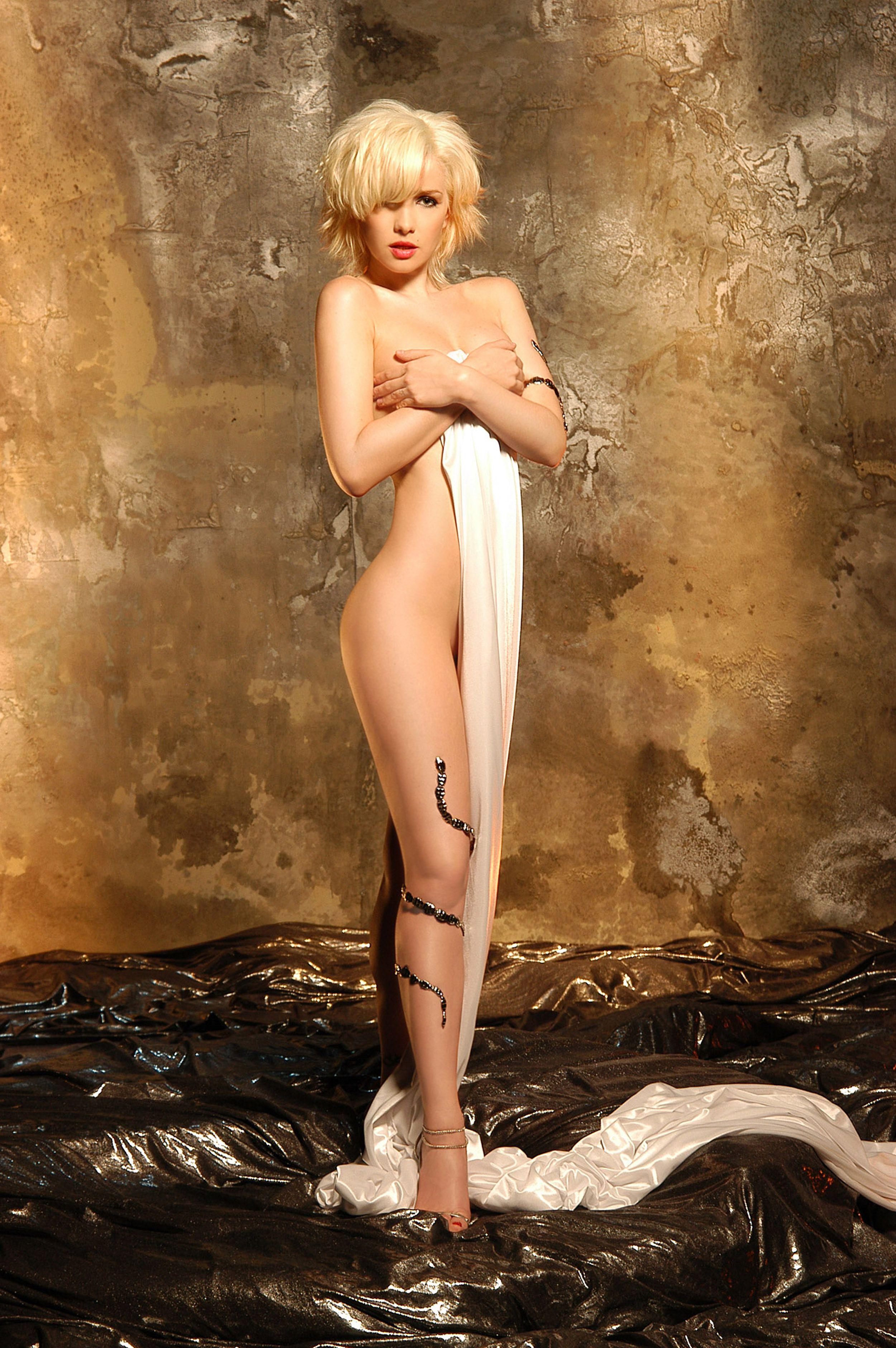 Эротическое фото наталии орейро 16 фотография