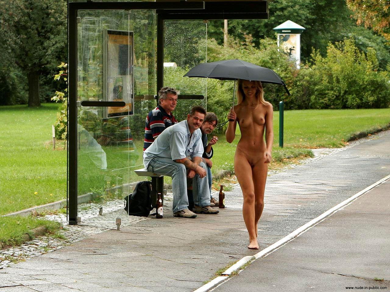 голый молодые на улице-ют2