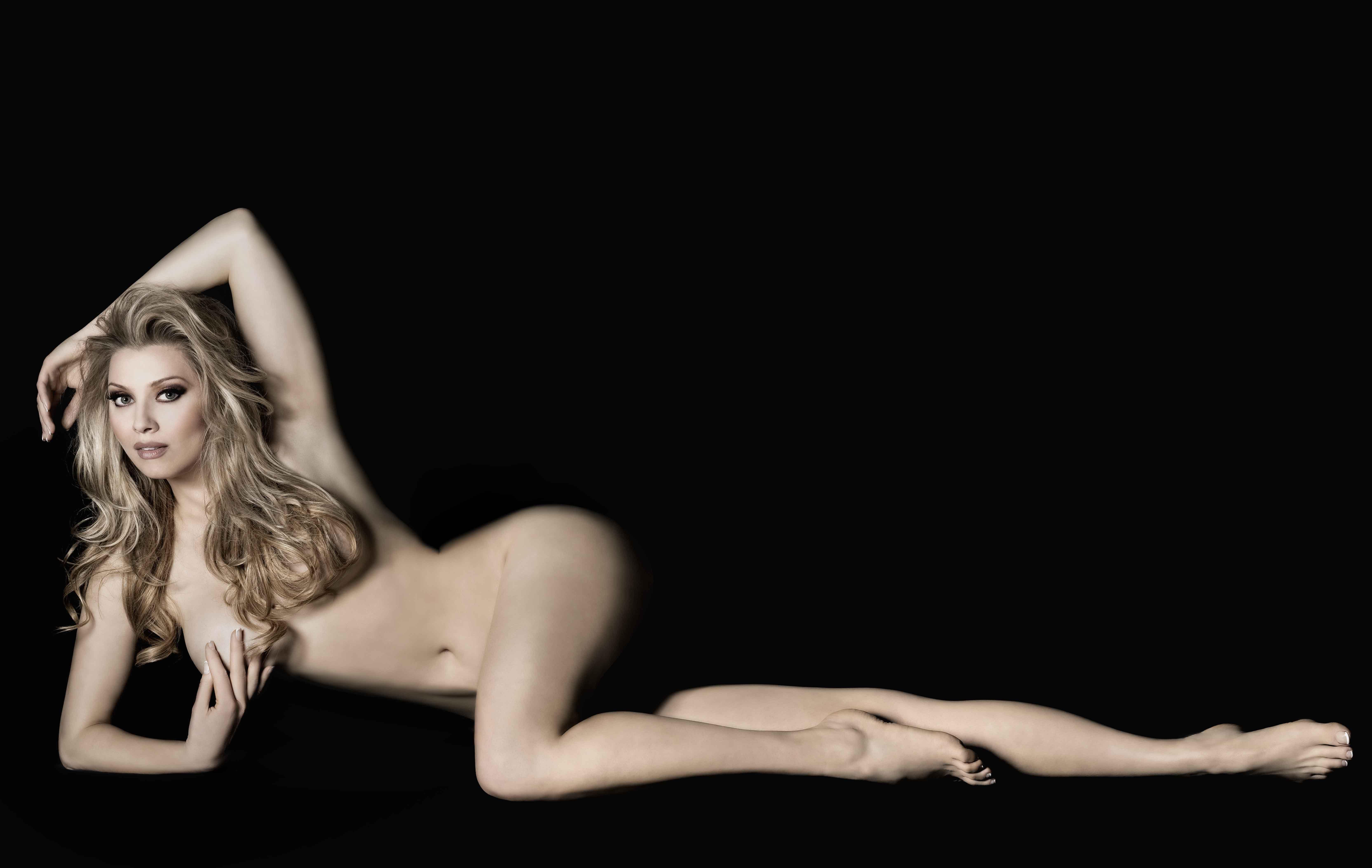 lena-lenina-eroticheskie-foto
