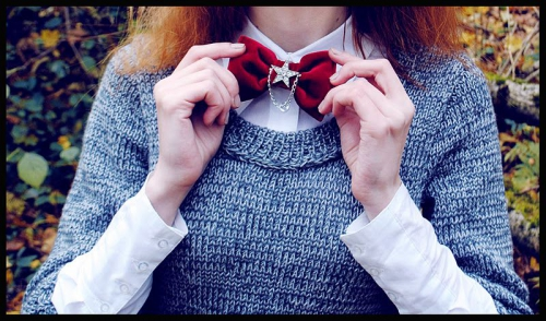 Девушки с бабочками и галстуками своими руками