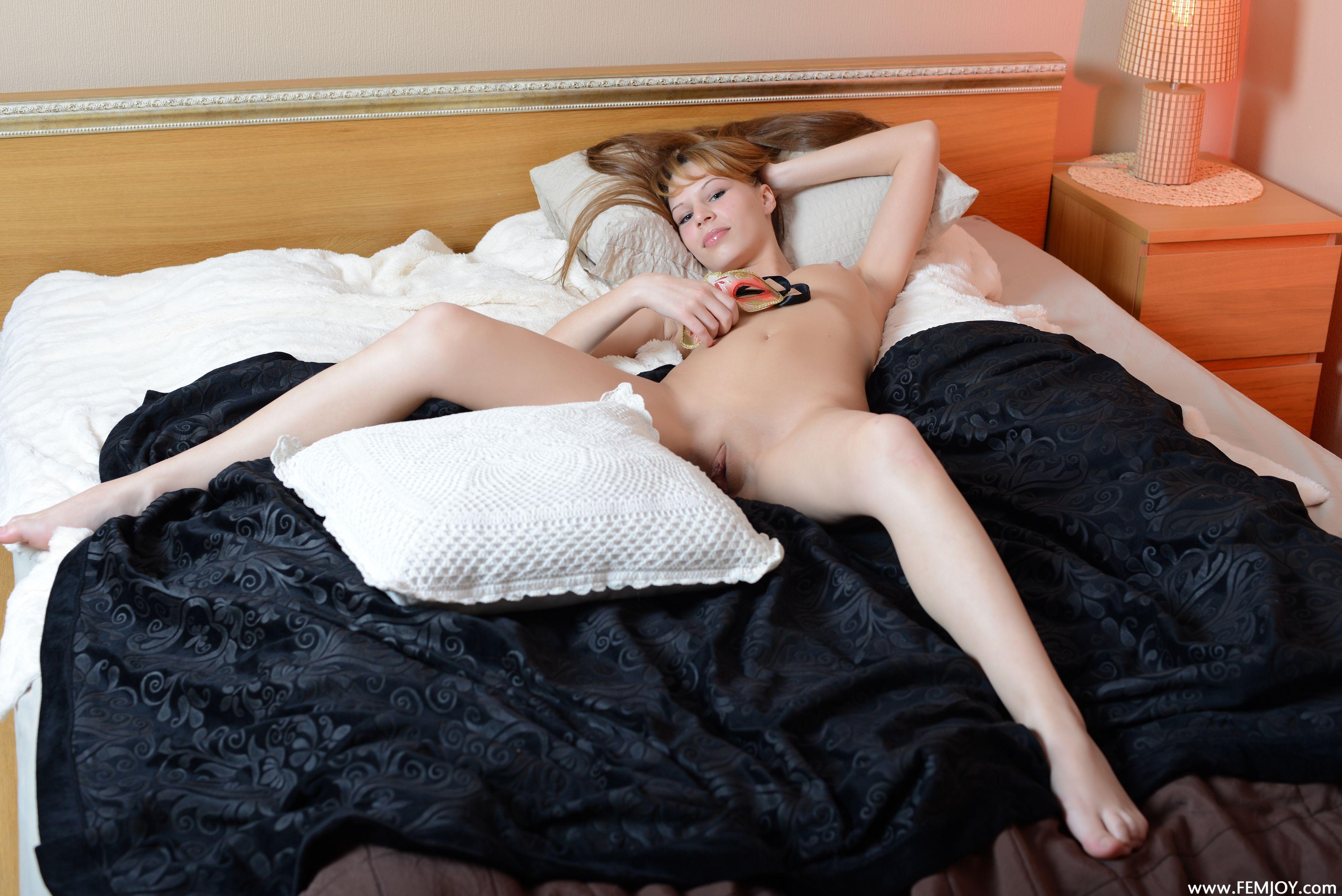 http://i1.imageban.ru/out/2013/10/27/818169de38b6b54cb3024bed413f320b.jpg