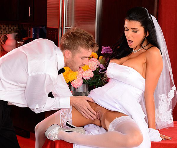Romi Rain - Romi's Early Wedding Gift (2014) [HD 720p]