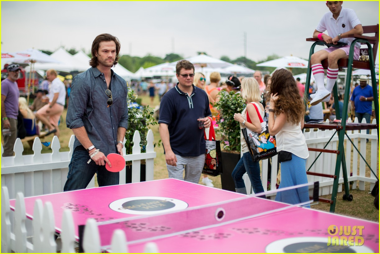 jared-padalecki-wife-genevieve-picture-perfect-couple-austin-food-festival-06.jpg