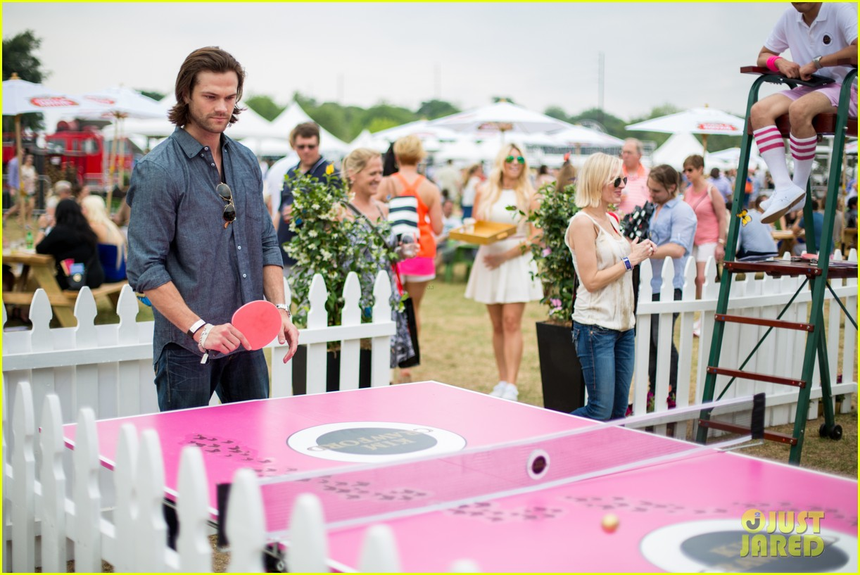 jared-padalecki-wife-genevieve-picture-perfect-couple-austin-food-festival-07.jpg