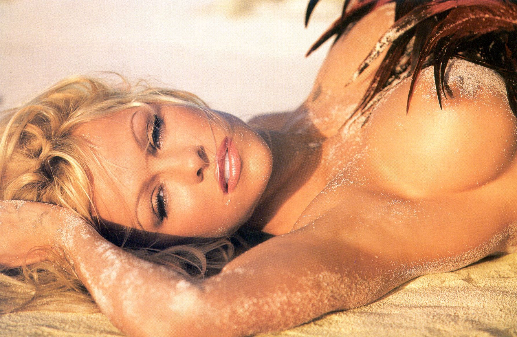 Teen pam anderson at topless beach sexy fucking girls