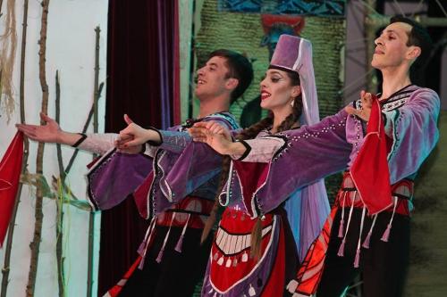 Հայկական պարը ծաղկում է. «Հորովելը» կայացավ