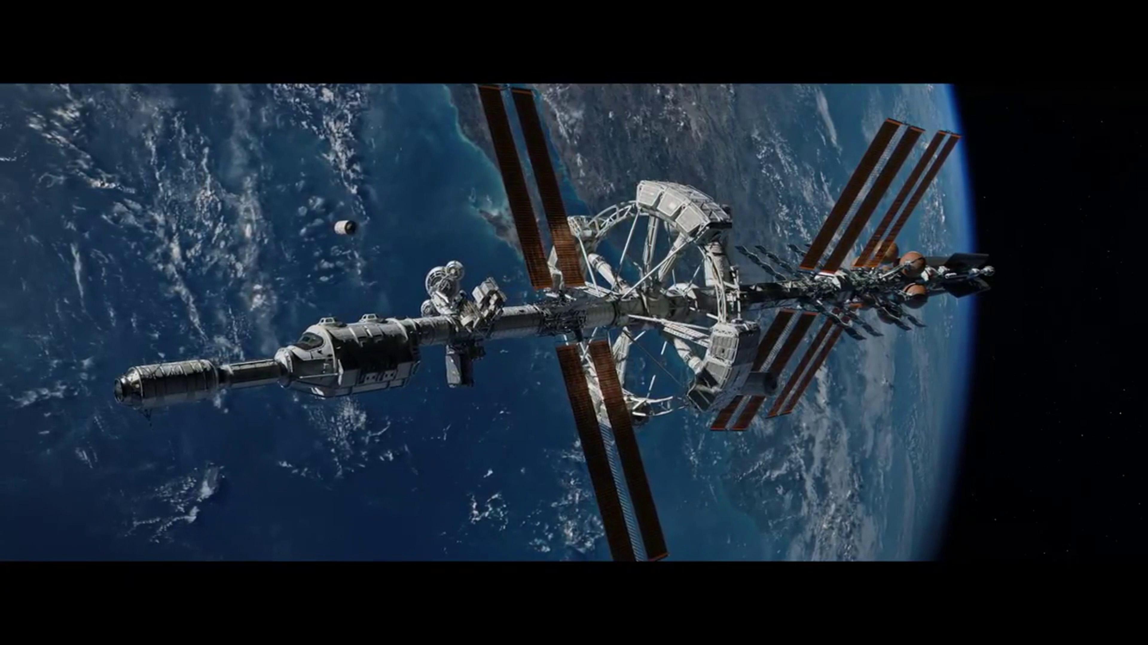 Трахнули в космическом корабле 3 фотография