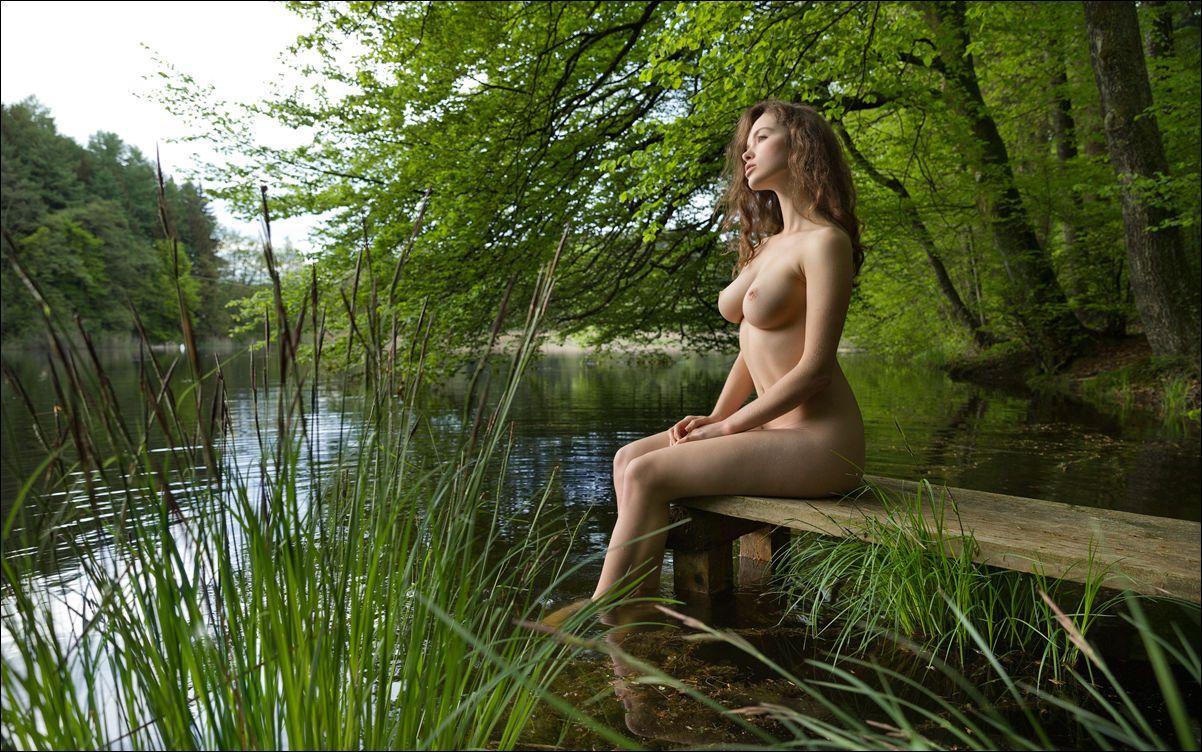 Красивые голые девушки сзади фото