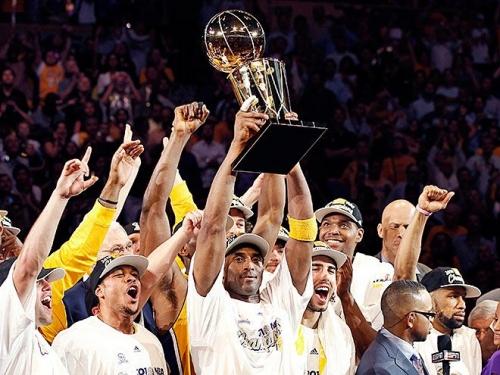 Коби Брайант - третий бомбардир в истории НБА [Баскетбол]