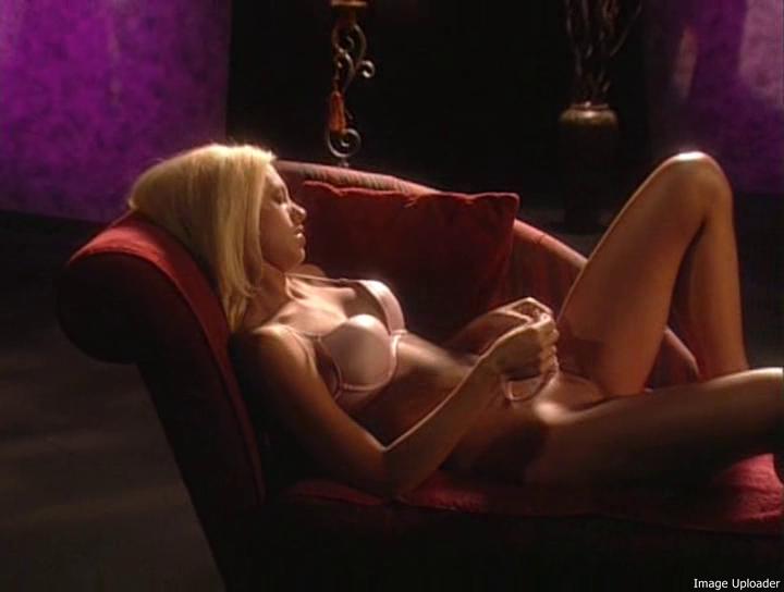 luna-eroticheskiy-film
