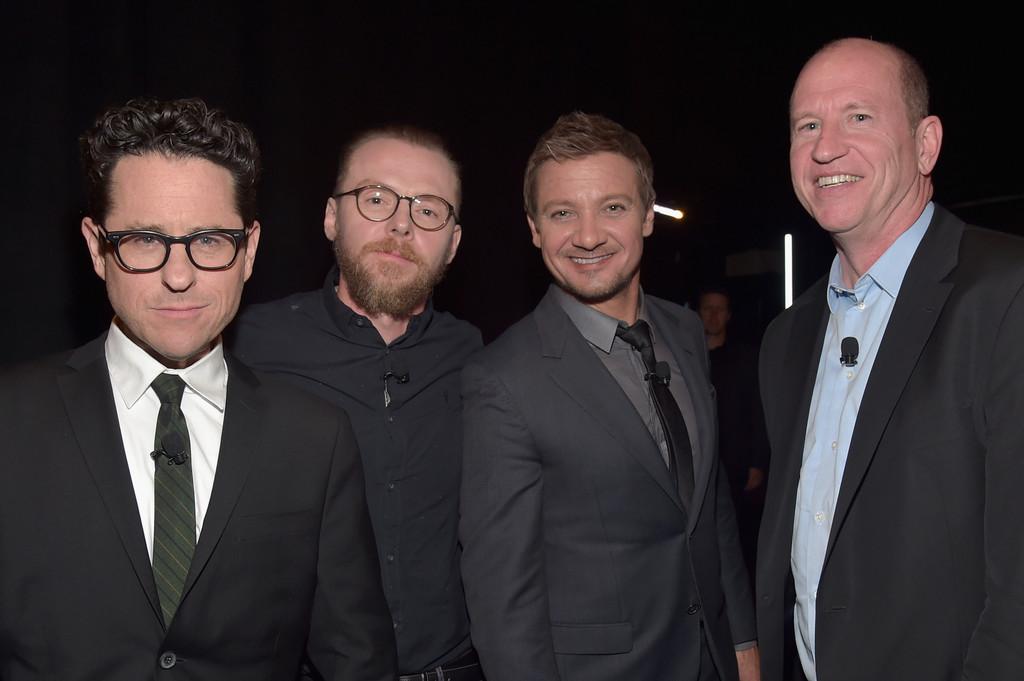 Jeremy+Renner+CinemaCon+2016+Gala+Opening+tLuL2VgpFhvx.jpg