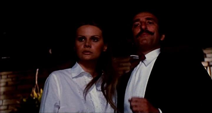 Aragosta_a_colazione_1979_DVDRip-1-13-17-396.png
