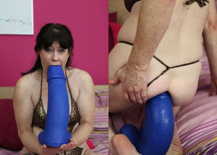 [DirtyGardenGirl.com] Size is most important - 20.04.2016 [2016 г., Dildo, Anal, Prolapse, 1080p]