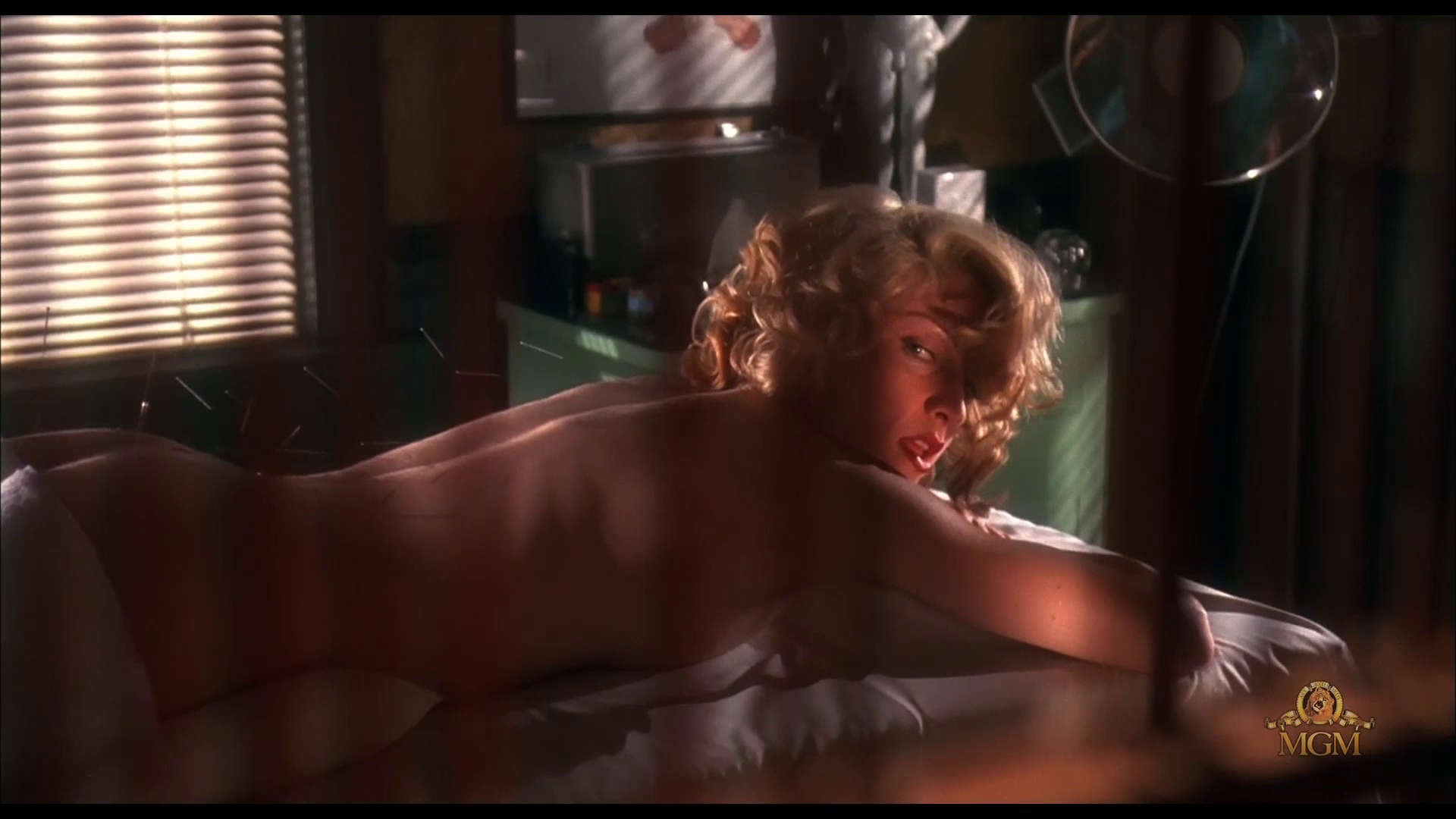 читал эту марк дэвис в эротическом фильме обучать