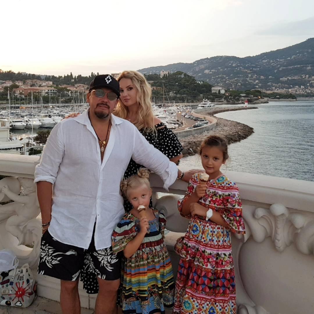 Сколько детей у стаса михайлова с женой инной фото