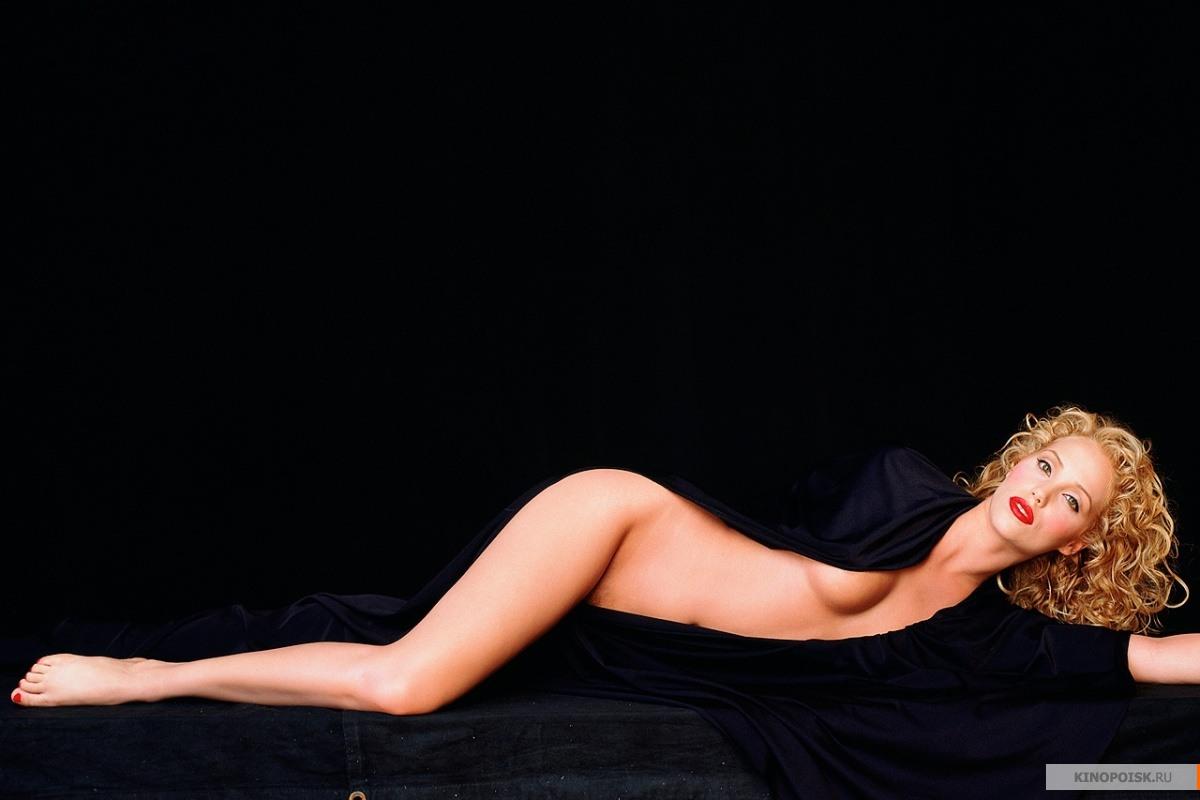kinopoisk.ru-Showgirls-2876119.jpg