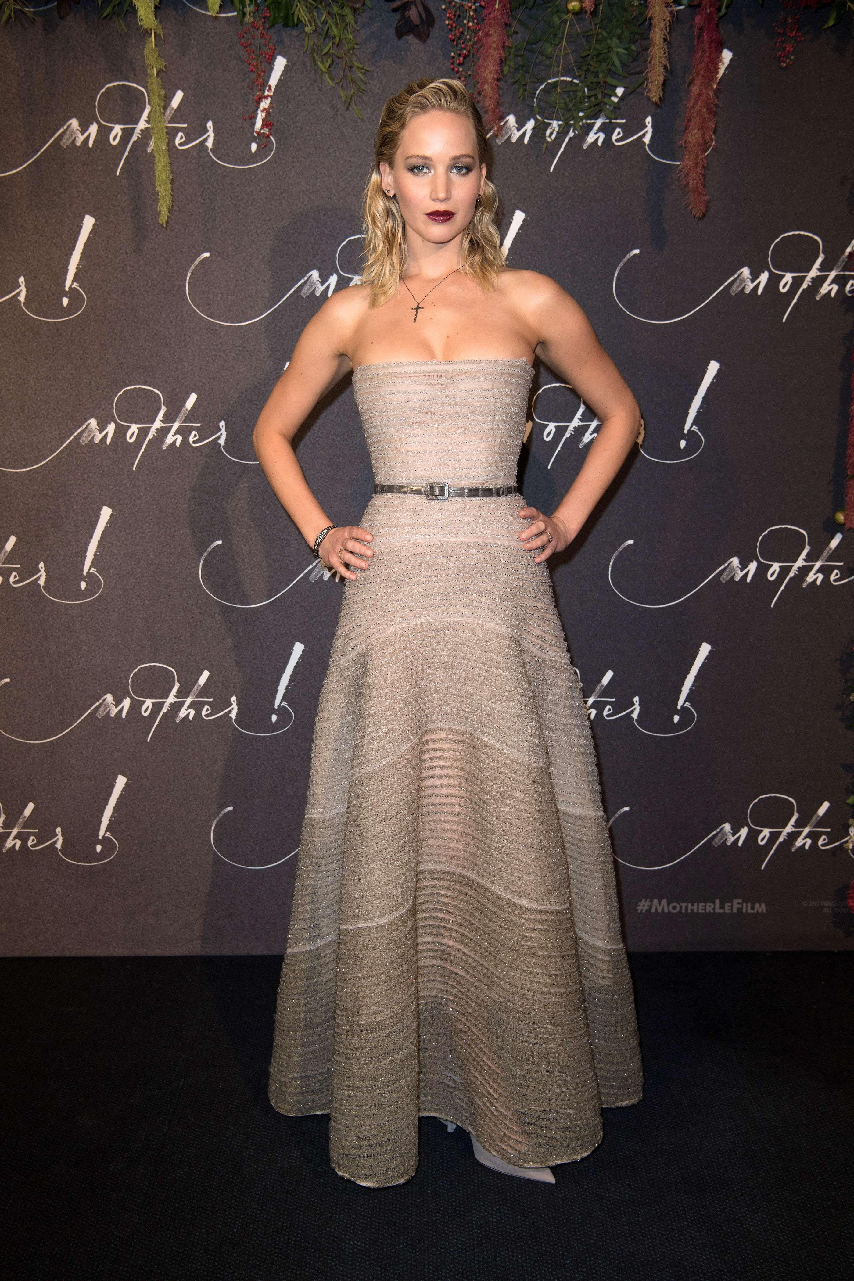 Jennifer-Lawrence-Sexy-29-thefappeningblog.com_-2.jpg