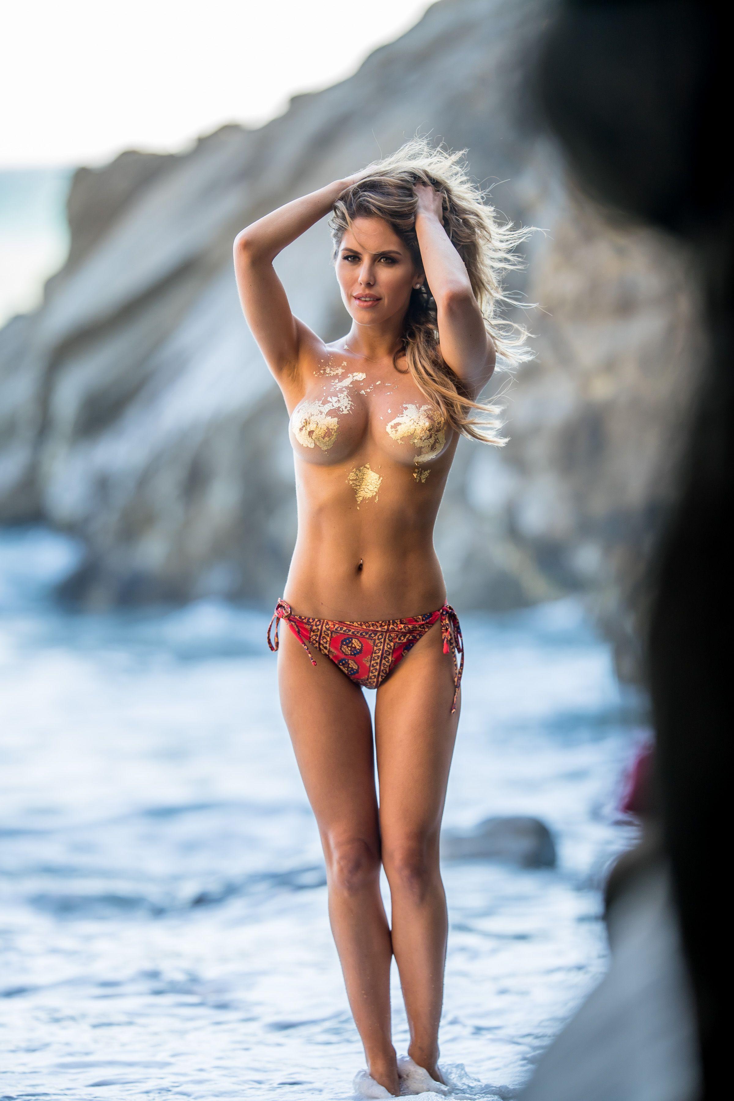 Brittney-Palmer-Sexy-Topless-6-thefappeningblog.com_.jpg