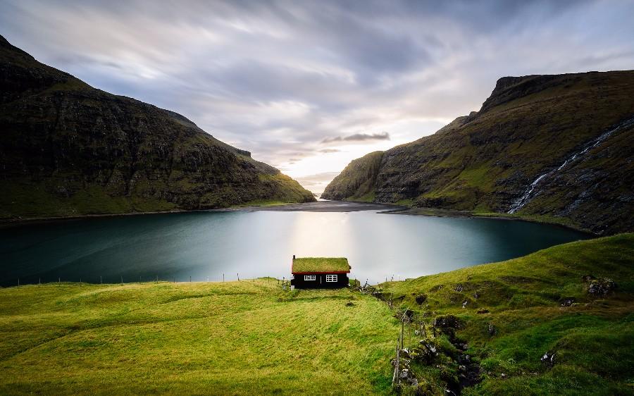 Домик в красивом месте