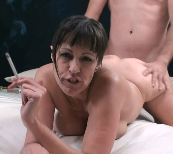 [Incezt.net] Victoria Madison aka Tori Dean (Mom Helps Son With A Problem That Is Just Too Big) [2016 г., Incest, MILF, Big Tits, Blowjobs, Brunette, Smoking, 720p]
