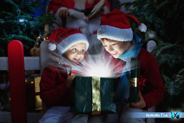 Растровый клипарт - Dreamstime - New Years background is tree toy box gift ribbon [JPG]