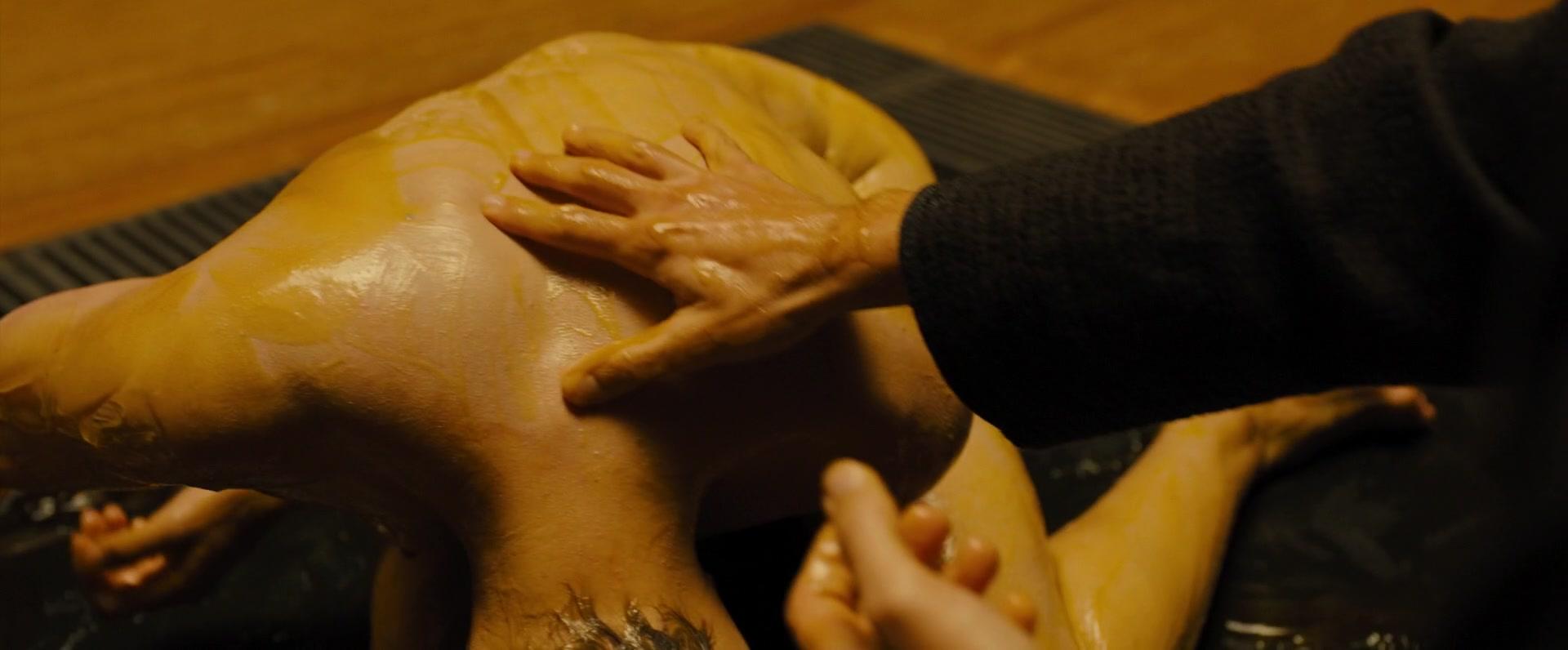 Ana-de-Armas-Sallie-Harmsen-Mackenzie-Davis-etc-Nude-16-thefappeningblog.com_.jpg