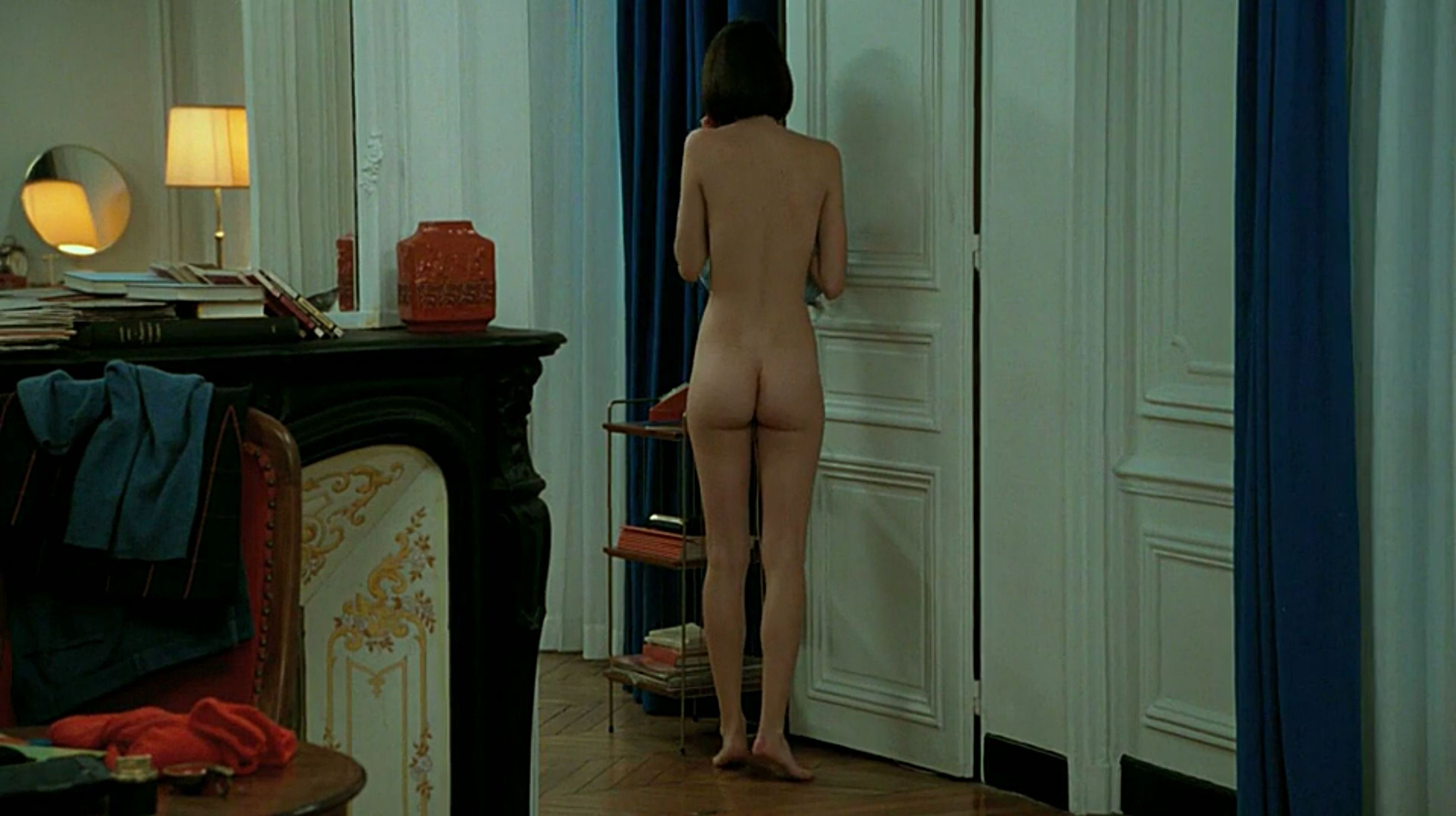 Stacy-Martin-Nude-Le-Redoutable-2017-14-The-Fappening-Blog.jpg