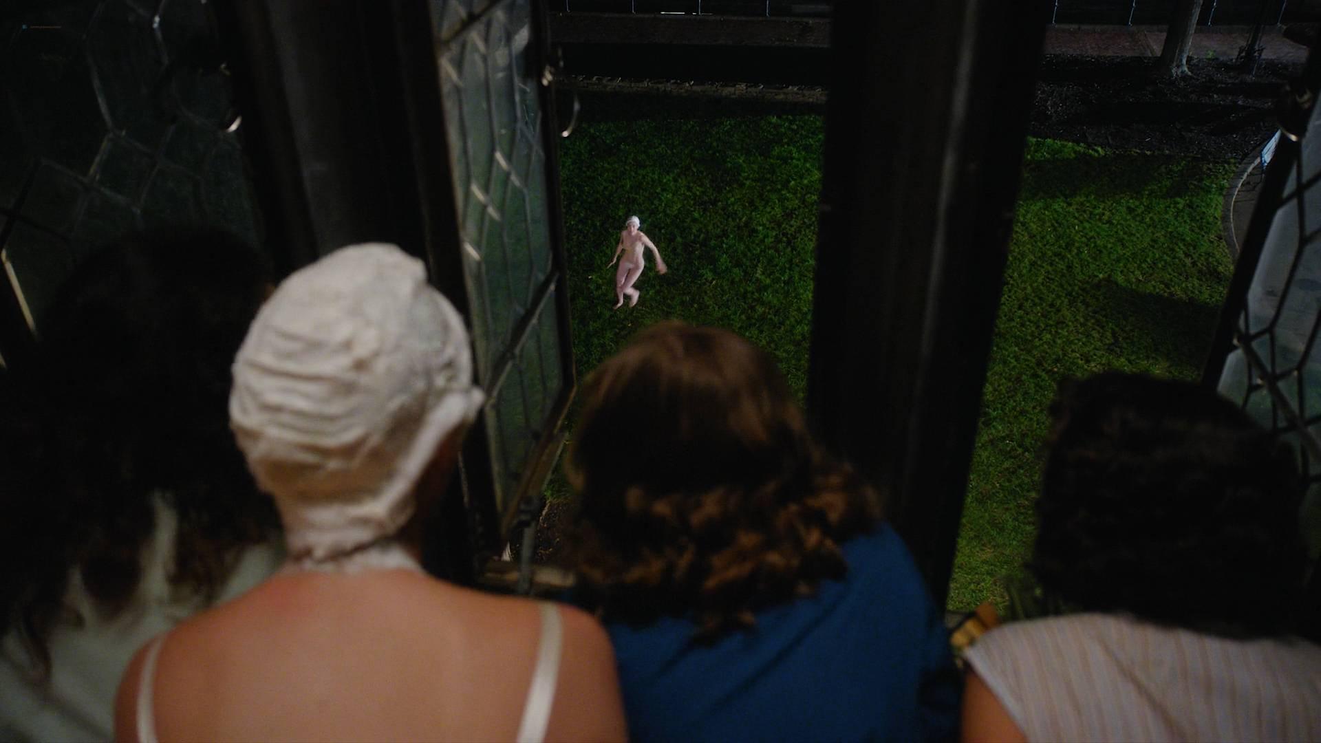 Rachel-Brosnahan-nude-topless-and-butt-Kyla-Walker-hot-The-Marvelous-Mrs-Maisel-2017-s1e1-HD-1080p-00004.jpg