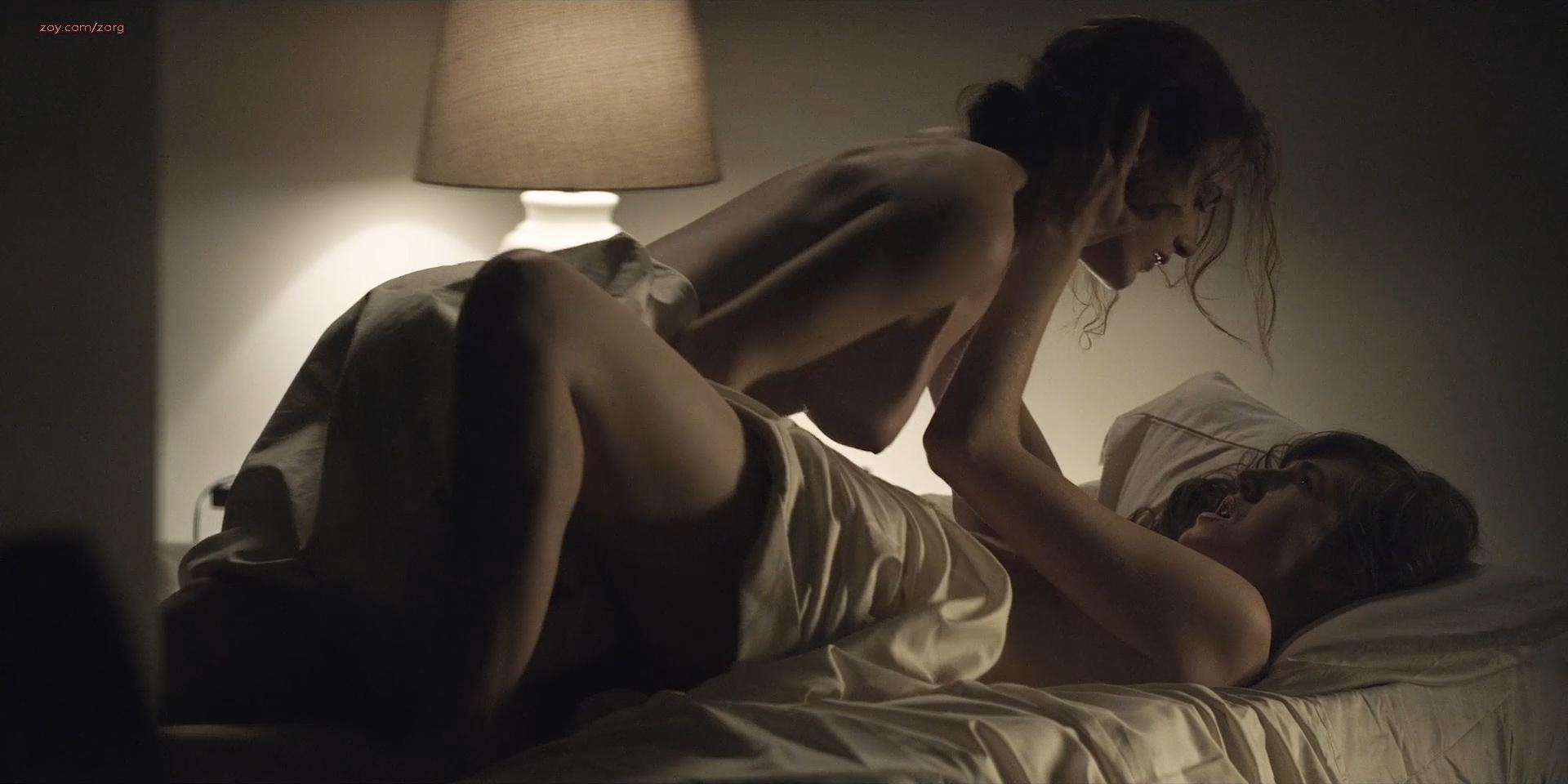 Rachel-Brosnahan-nude-side-boob-House-Of-Cards-2013-s02e6-HD-1080p-4.jpg