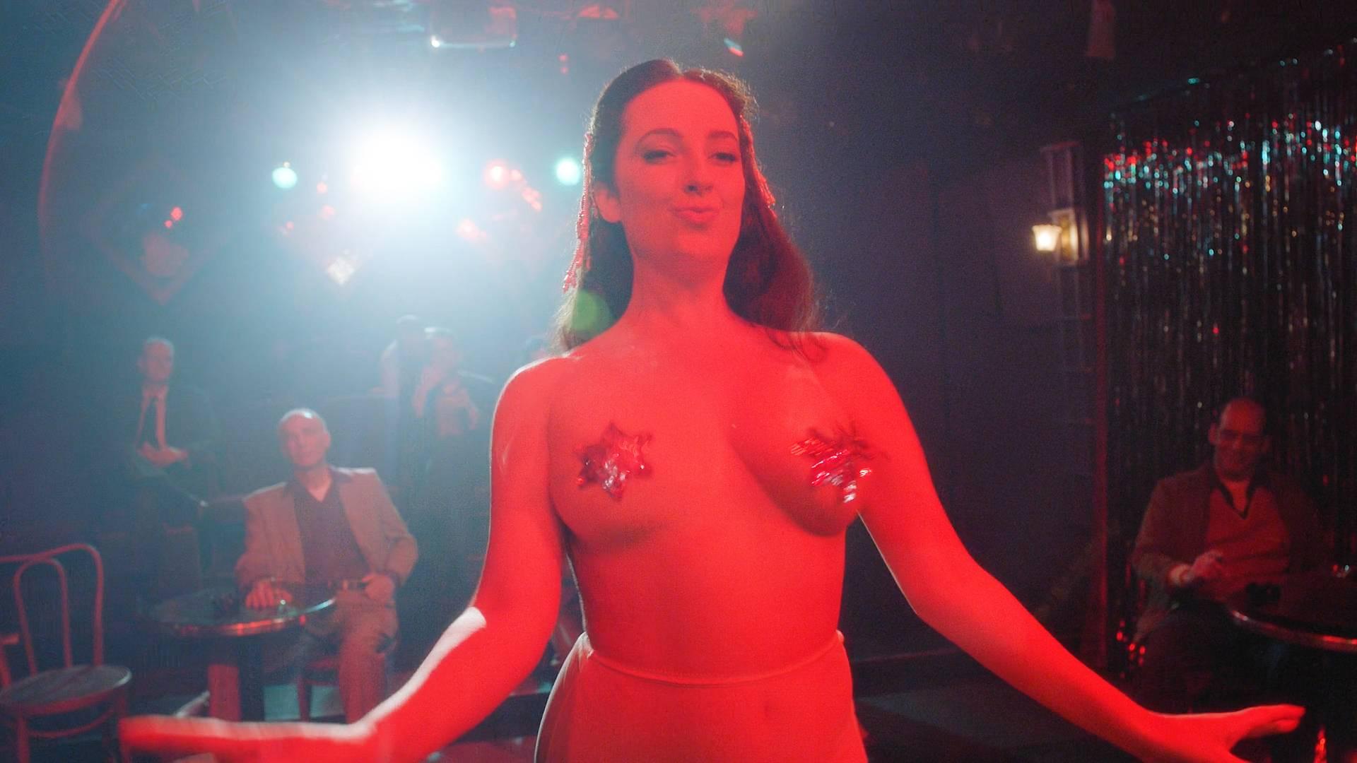 Rachel-Brosnahan-nude-topless-and-butt-Kyla-Walker-hot-The-Marvelous-Mrs-Maisel-2017-s1e1-HD-1080p-00005.jpg