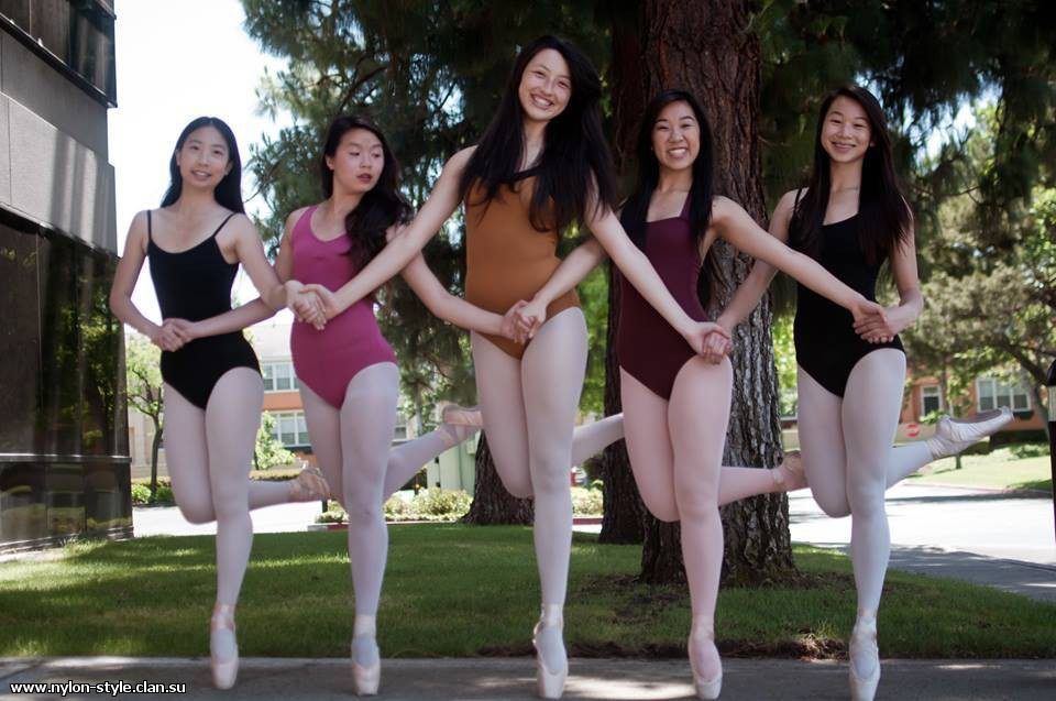 Sluts in spandex leotard