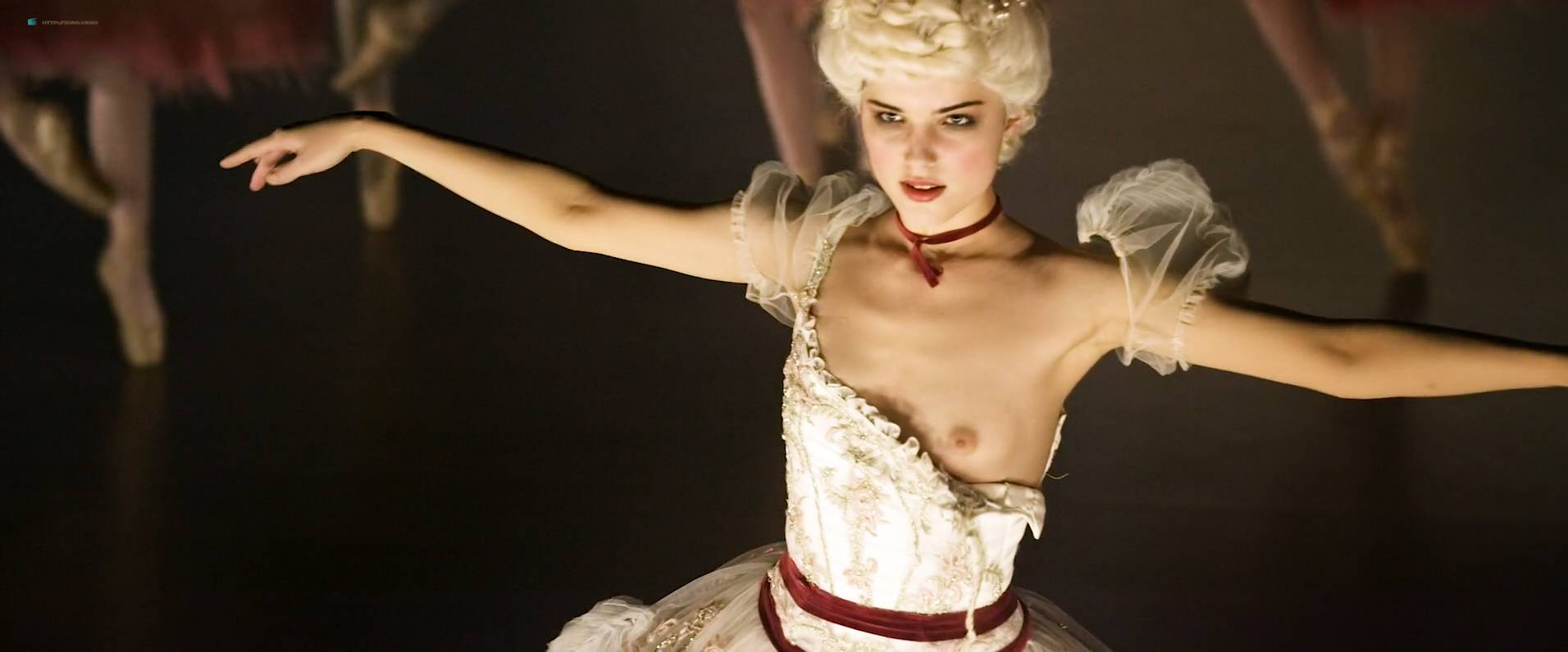 Michalina-Olszanska-nude-topless-Matilda-RU-2017-HD-1080p-WEb-001.jpg