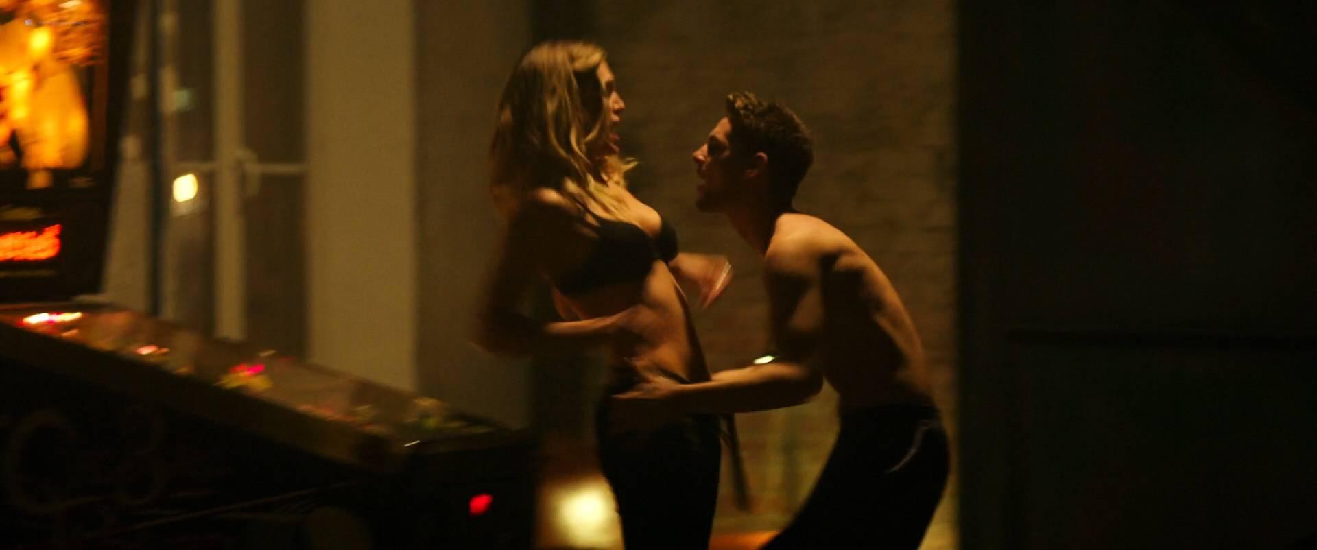 Ana-de-Armas-hot-bikini-Gaia-Weiss-hot-sex-Overdrive-2017-HD-1080p-WEB-9.jpg