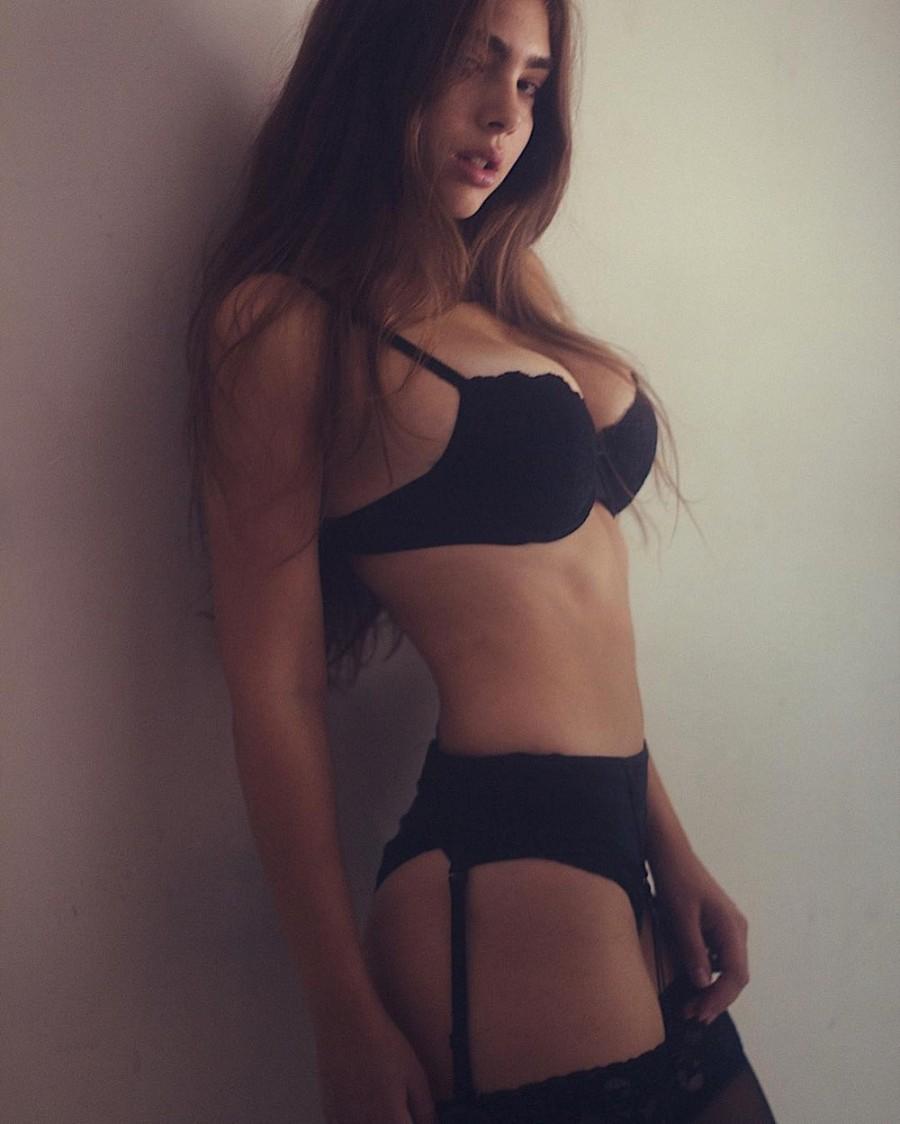 Черное нижнее белье
