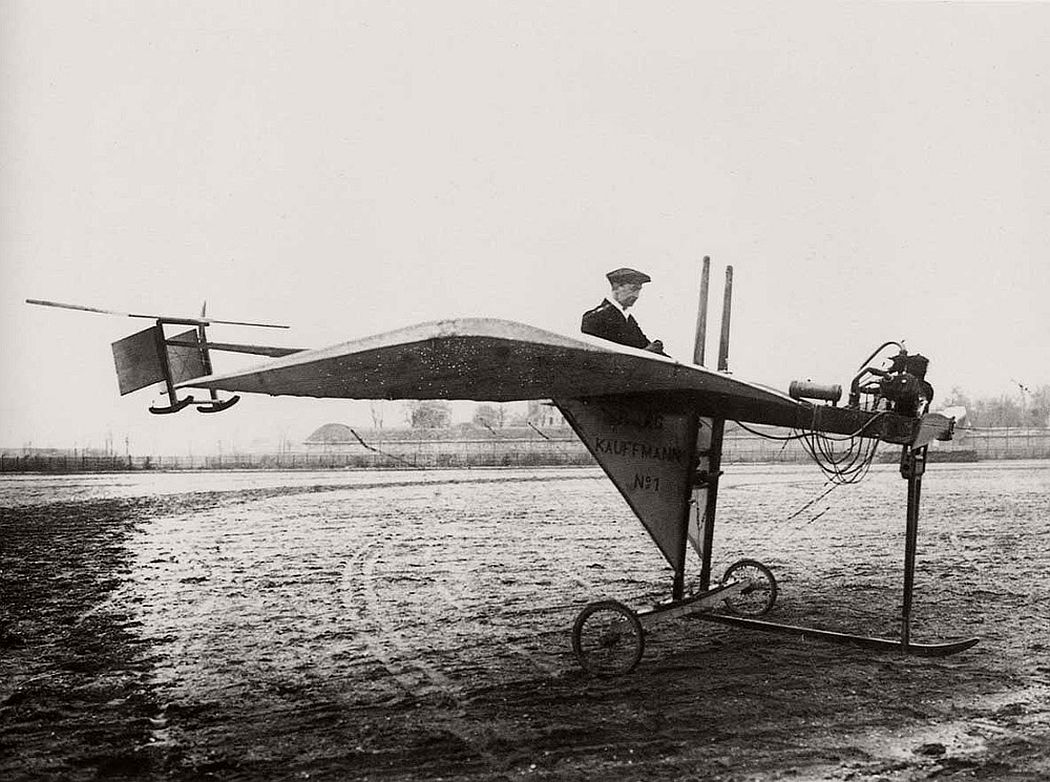 vintage-early-xx-century-flying-machines-25.jpg