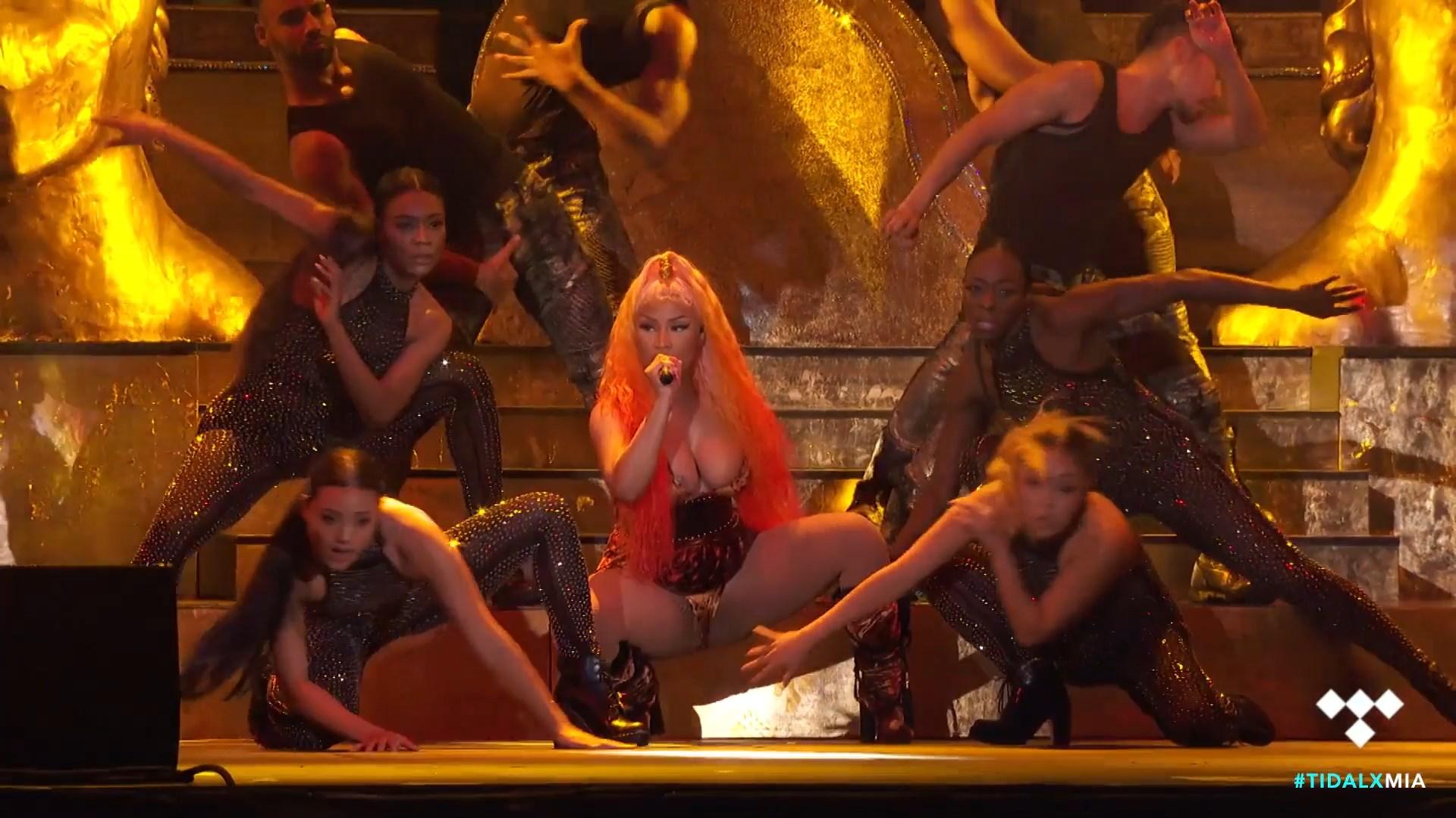 Nicki-Minaj-Nude-TheFappeningBlog.com-8.jpg