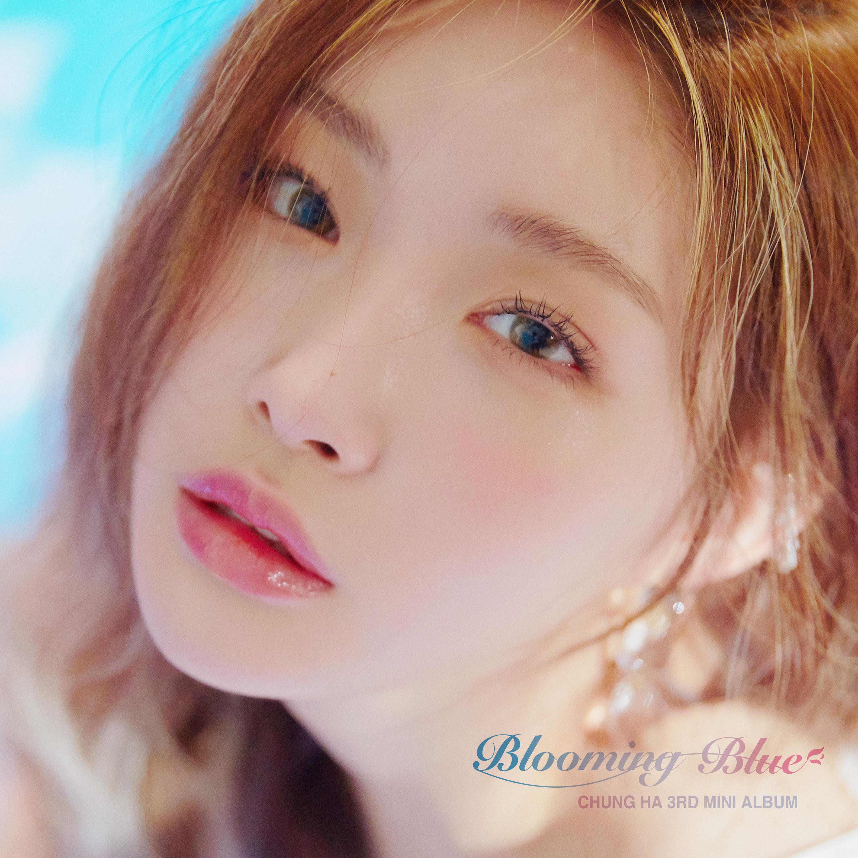 20180913.1200.2 Kim Chung Ha - Blooming Blue cover.jpg