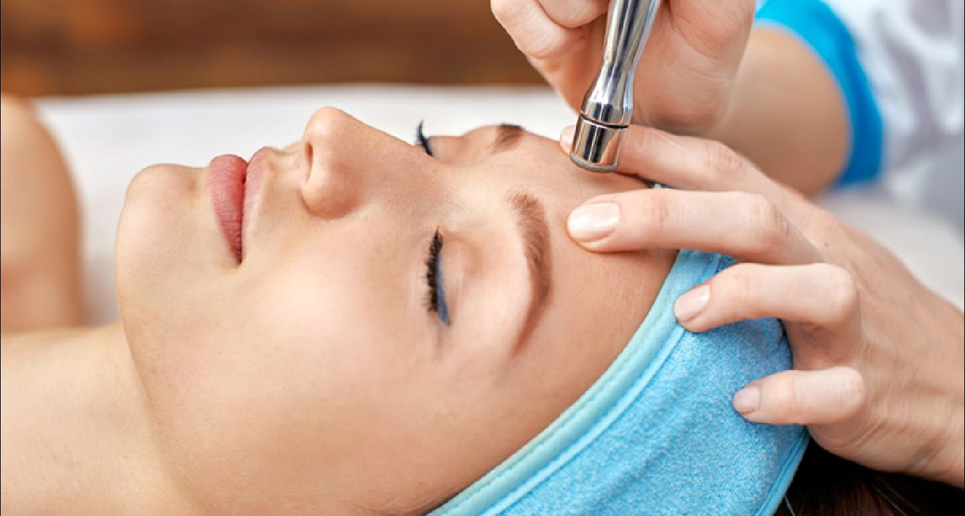 Процедуры в студии красоты: уход за кожей для вас