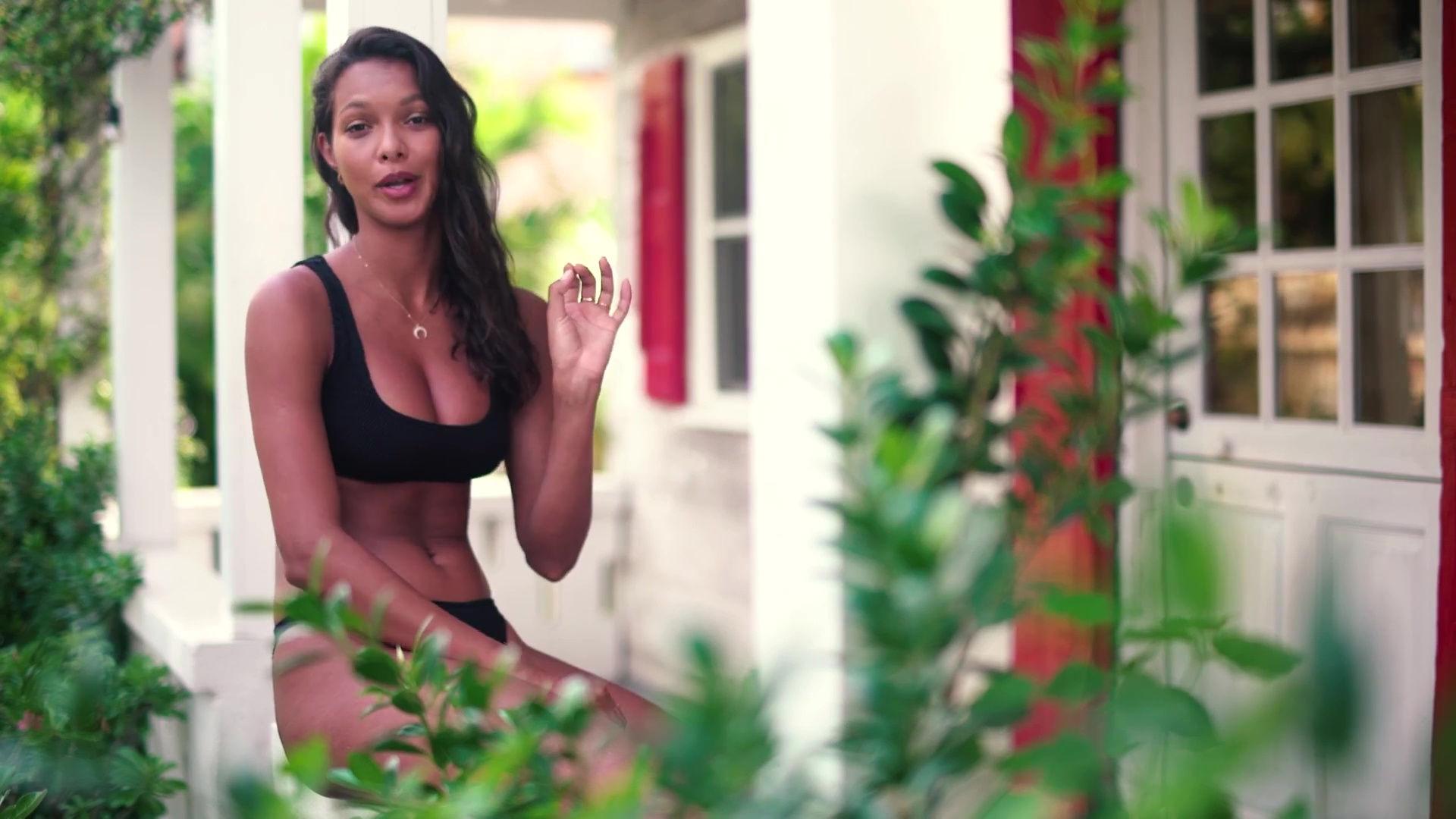 0919045630832_25_Lais-Ribeiro-Sexy-TheFappeningBlog.com-26-1.jpg