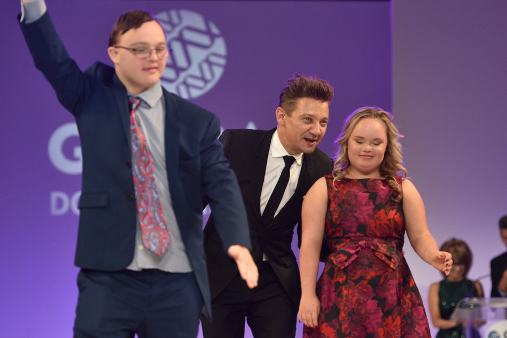 Jeremy+Renner+Global+Down+Syndrome+Foundation+OBpsFZuIqJ8x.jpg