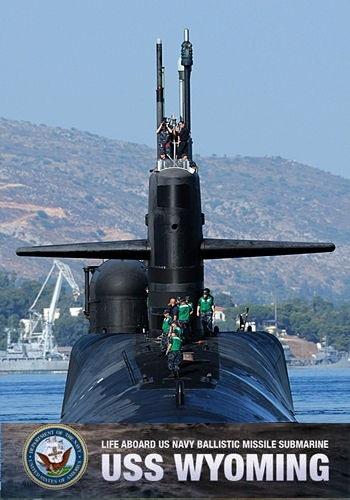 Жизнь на борту подводной лодки баллистических ракет ВМС США Вайоминг / Life Aboard US Navy Ballistic Missile Submarine (2017) WEBRip [VP9/2160p] [4K]