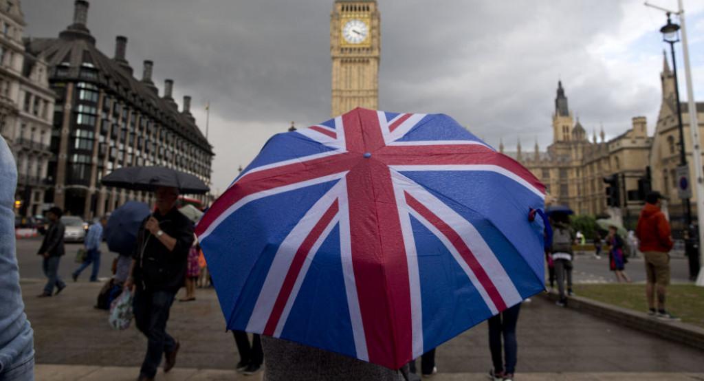 V Británii se ohradili proti migrantům z Evropy
