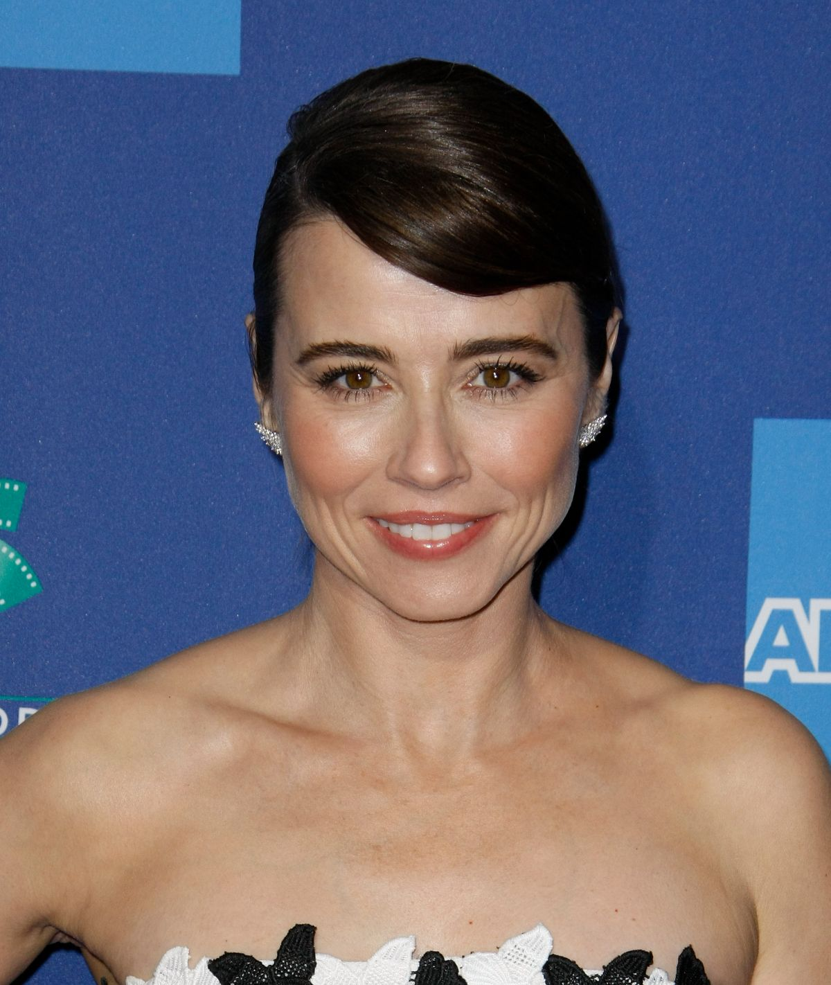 linda-cardellini-at-30th-annual-palm-springs-international-film-festival-awards-gala-01-03-2019-5.jpg