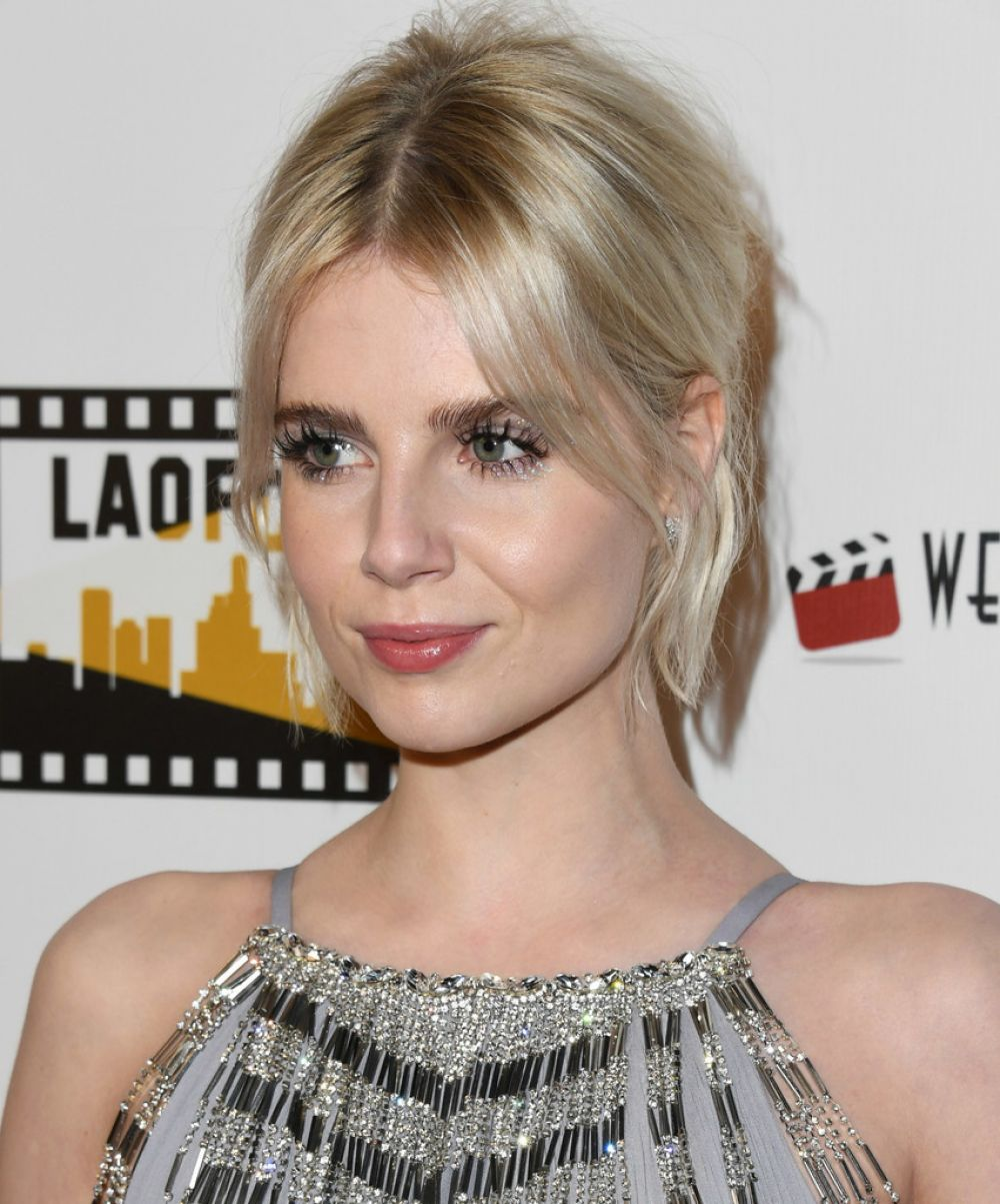 lucy-boynton-at-los-angeles-online-film-critics-society-award-01-09-2019-3.jpg