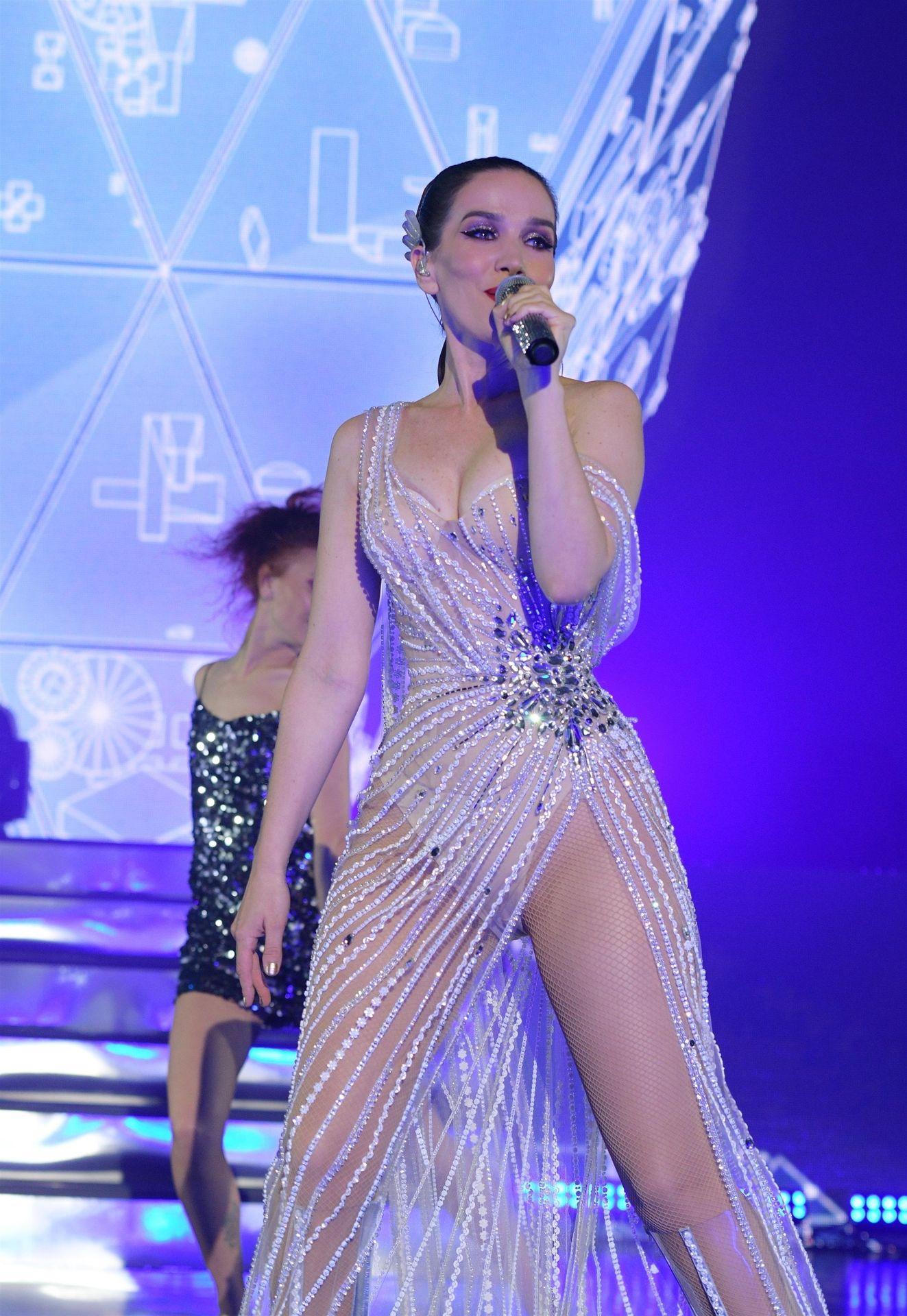 0229221633172_18_Natalia-Oreiro-Sexy-TheFappeningBlog.com-19.jpg
