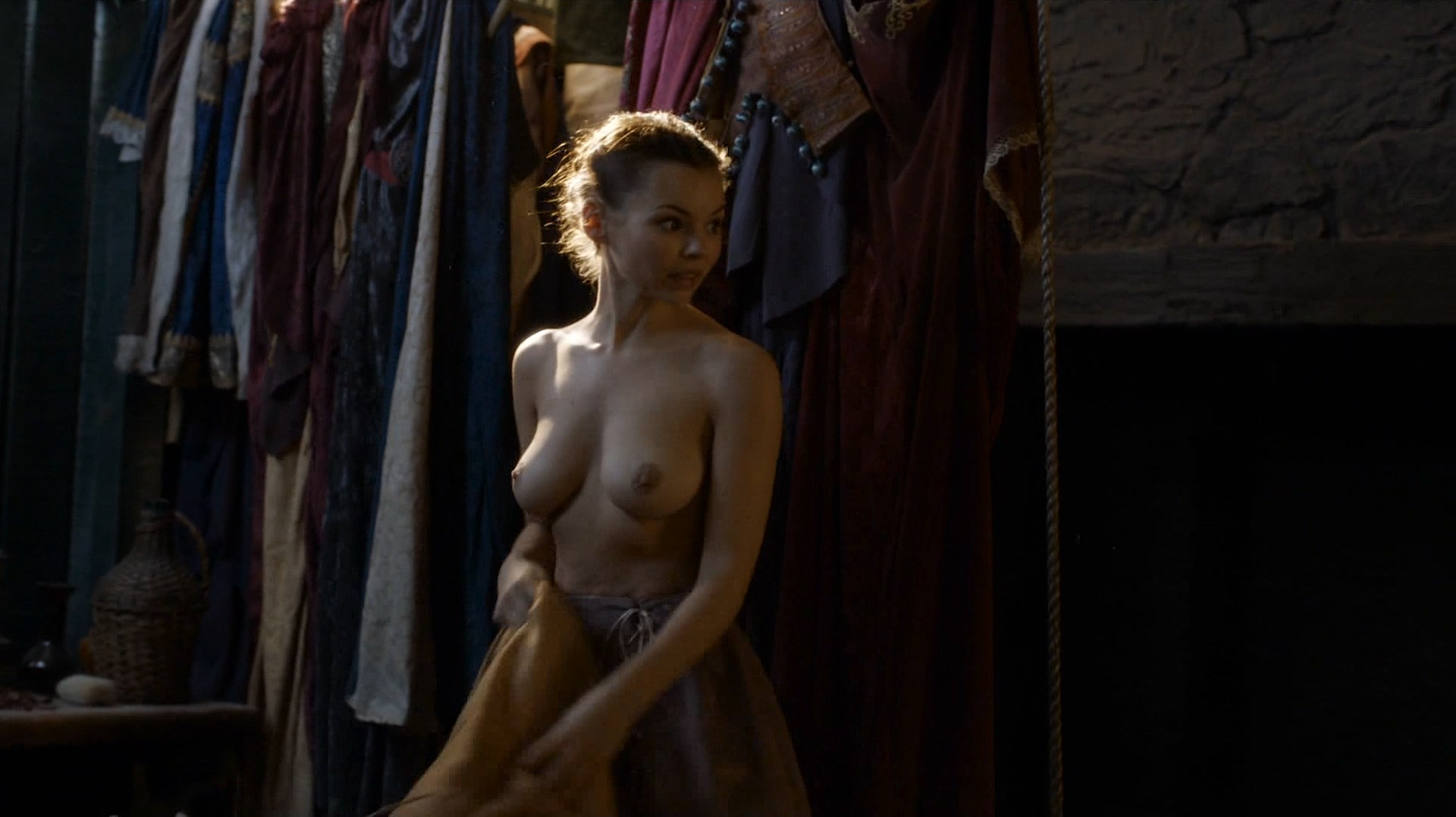 0313175955972_01_Eline-Powell-nude-topless-Game-of-Thrones-2016-e6e5-HD-1080p-5.jpg