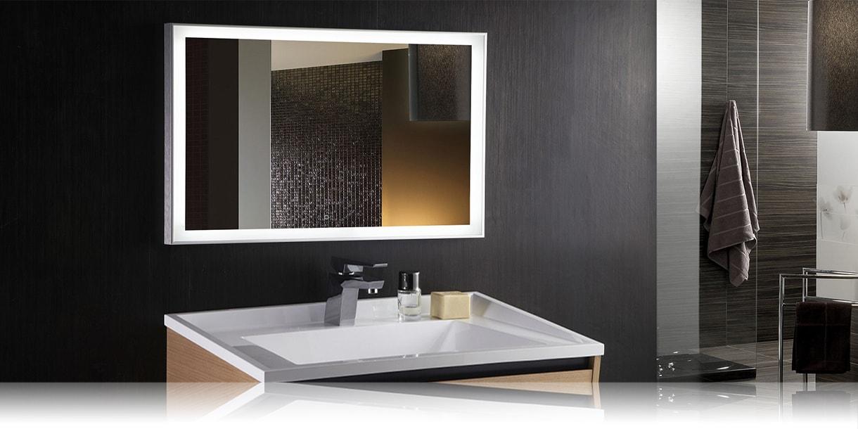 Зеркала с подсветкой в интерьере ванной комнаты