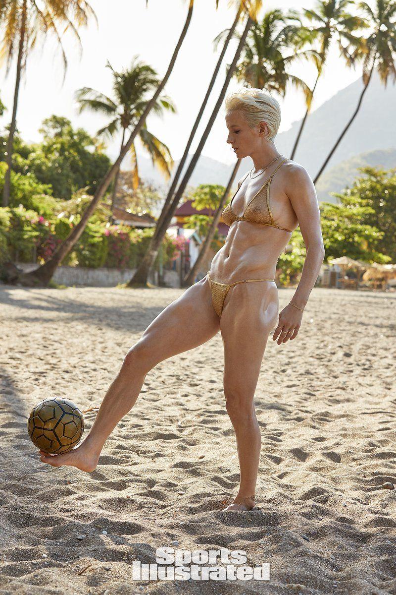 0409094146214_05_Megan-Rapinoe-Nude-Sexy-TheFappeningBlog.com-5.jpg