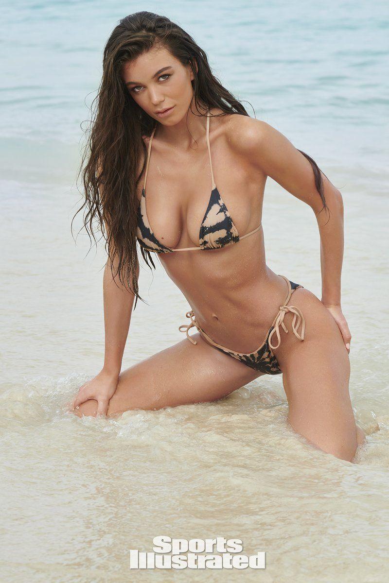 0409085841114_03_Erin-Willerton-Nude-Sexy-TheFappeningBlog.com-4.jpg